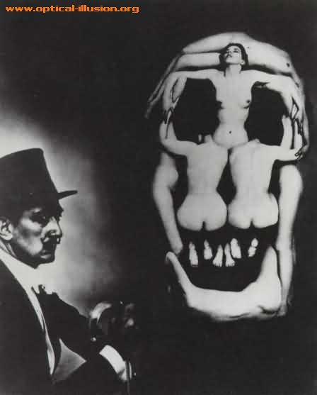 Women and skull.