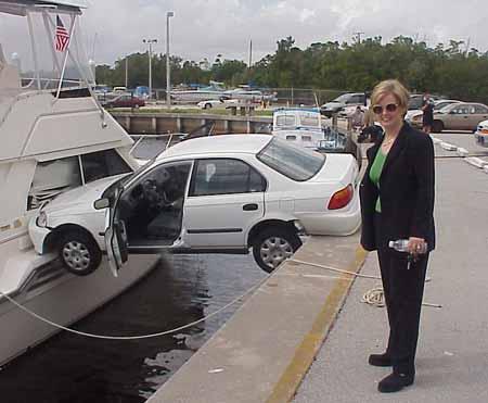 Mujer que ha aparcado