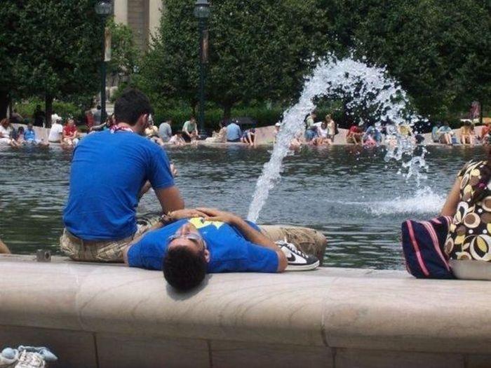 Descansando en la fuente