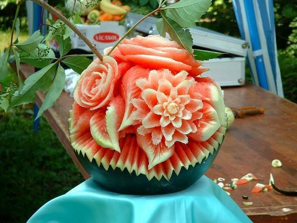Rosas hechas con sandia