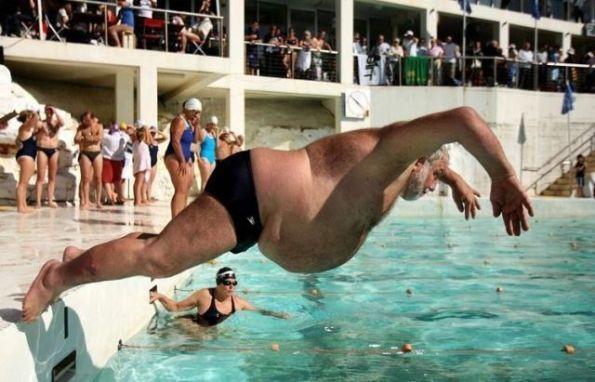 Nadador con flotador