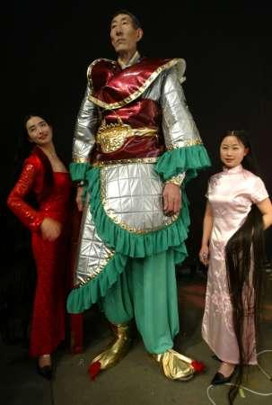 El hombre mas alto del mundo