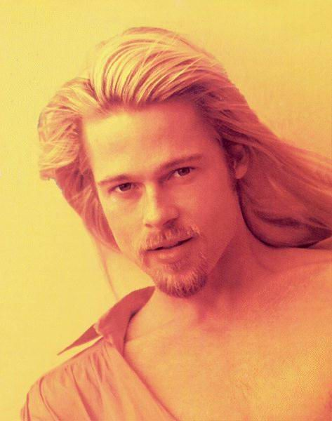 Brad Pitt melenudo 3